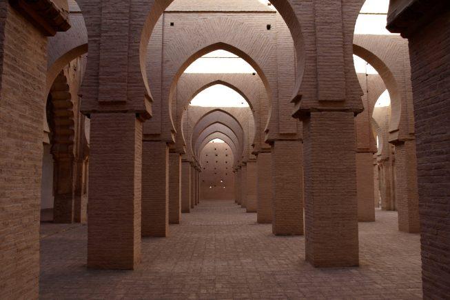 Cuna del imperio almohade que desde aquí se impuso al almorávide en el siglo XII, una de las exclusivas mezquitas visitable para los no musulmanes