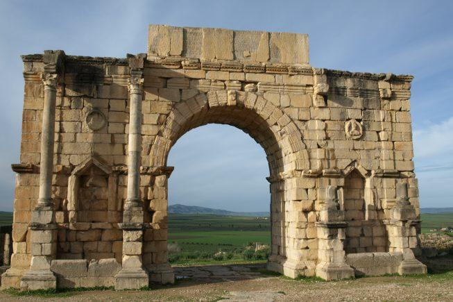 Volubilis: Antigua ciudad romana, posiblemente el yacimiento romano mejor preservado de esta área del norte de África.